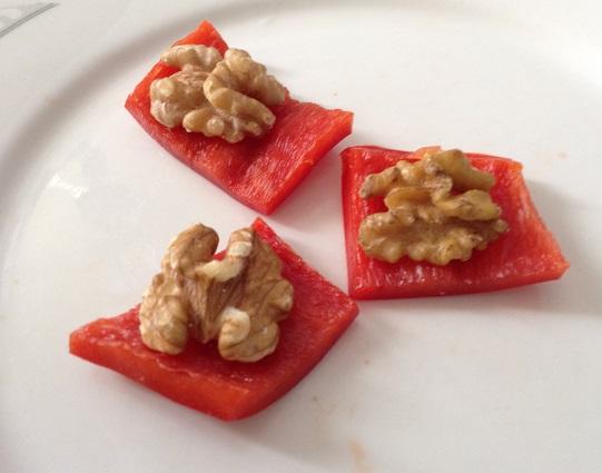 Paprika met walnoot
