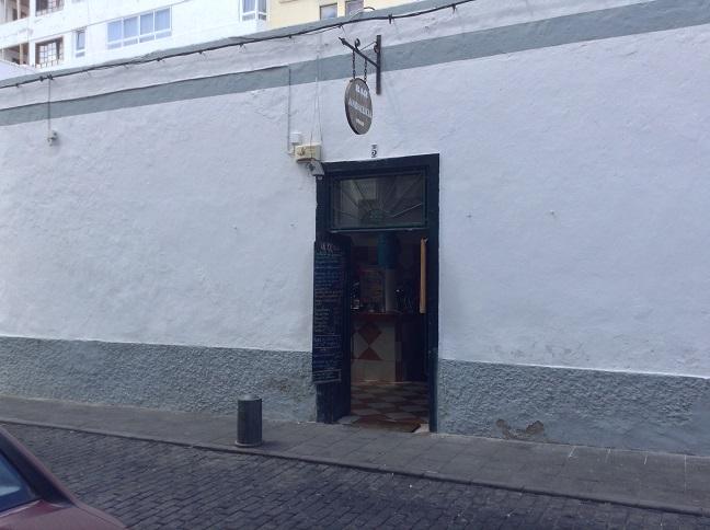 Bar Andalucia ziet er heel onopvallend uit, je loopt er makkelijk voorbij.